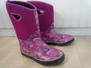 Girls boots, size 1