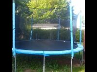 15ft trampoline and enclosure