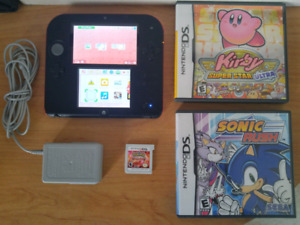 *EXCELLENT*  Nintendo 2DS Package (+ Free Game)