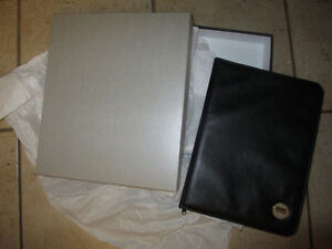 NEW Osgoode Law School folder $ 10, NEW ceramic cup $ 5 Kitchener / Waterloo Kitchener Area image 1
