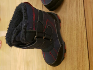 Joe Fresh Toddler Size 4 Snow boots