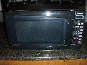 "PANASONIC ""GENIUS"" INVERTER MICROWAVE"