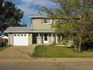Looking for a great house? Contact us! Viewings THIS Monday!!