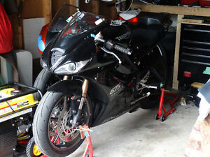 2009 triumph 675 black fairings