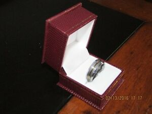 *Men's Tungsten Carbide Ring* Gold Center Inlay *VERY NICE* West Island Greater Montréal image 4