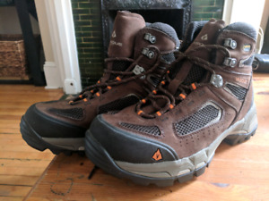 Vasque waterproof hiking boots wmns size 9