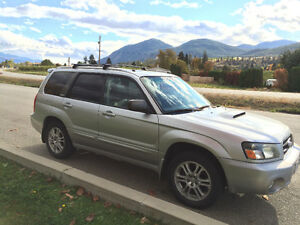 2004 Subaru Forester 2.5 XL,Heated Leather Seats! Moonroof!