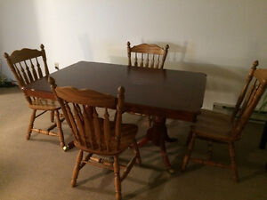 Dining table set Kitchener / Waterloo Kitchener Area image 1