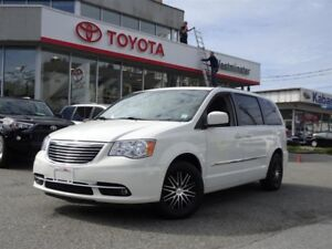 Chrysler Town & Country Touring Package 2012