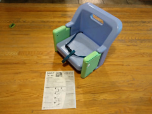 Safety 1st Portable Booster Seat / Highchair