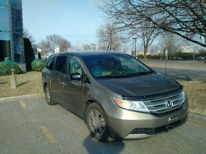 2012 Honda Odyssey en EXCELLENTE CONDITION