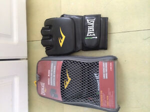 Brand new everlast size L/XL MMA grappling gloves