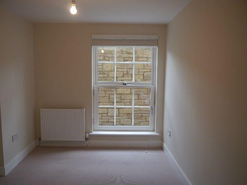 2 bedroom flat in East London Street, New