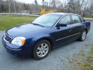 --------2006 FORD FIVE HUNDRED-----LUXURY RIDE-------