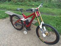 Trek Session 88 downhill bike dh £1000 ono