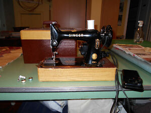 Portable Vintage Sewing Machine