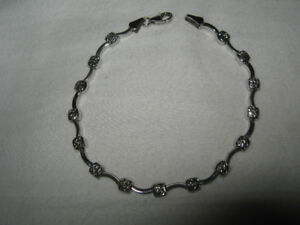 "10K White Gold Bracelet 7.25"" 3 grams"