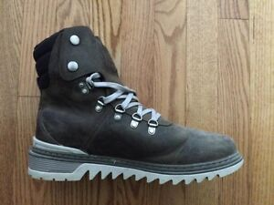 MEN'S TIMBERLAND BOOTS - SIZE 9 - WORN ONCE