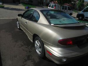 2000 Pontiac Sunfire SE Coupe (2 door) LOW KM $900 OBO Cambridge Kitchener Area image 4