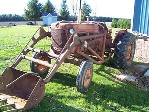 TRACTOR - D 14 ALLIS CHALMERS