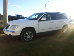 FULLY LOADED 2007 CHRYSLER PACIFICA AWD 6 PASSENGER SUV LOW KM'S
