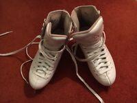 Jackson mystique white ice skates size 2.5