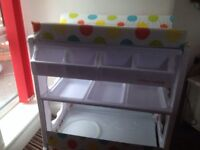 Baby changing/bath station