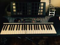 Electric piano Yamaha keyboard