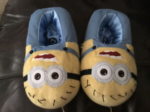 Despicable Me Minions Slippers. SM size 8.  *New*.