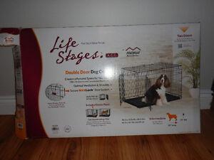 Cage à chien deux portes Life Stage à vendre. Besoin de place