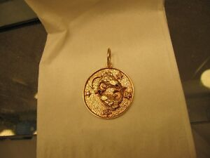 14K yellow gold Pisces pendant with 4 diamonds West Island Greater Montréal image 2