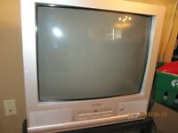 """20"""" COLOUR TV WITH DVD PLAYER"""