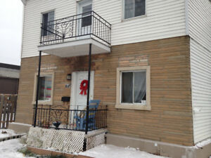 41/2 Upper triplex, Lachine