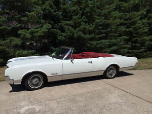 1966 Oldsmobile Dynamic 88 convertible classic car