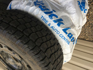 235/65r17 Ford Escape almost brand new winter tires&rims