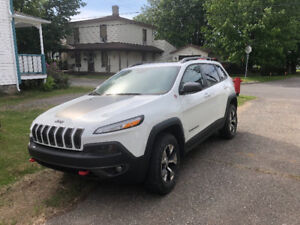Jeep Cherokee 2016 TrailHawk **Toit pano**