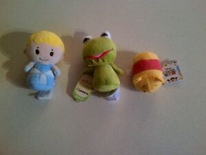 Halmark Itty Bittys and Disney Tsum Tsum