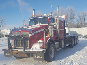 2011 KENWORTH T800 TRI-DRIVE WINCH