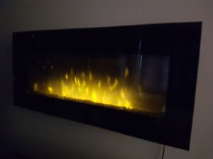 Foyer électrique mural / Wall-mounted electric fireplace