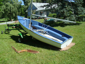13 Ft Fiberglass Sailboat
