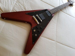 2006 Gibson Flying V (avec EMG!!!)