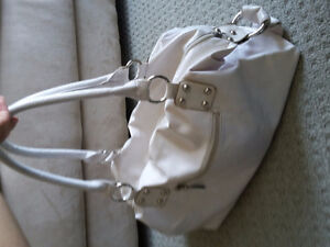 Women's white handbag shoulder bag purse London Ontario image 4