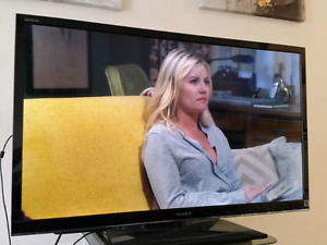 42 inch 1080p Sony television