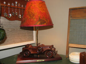 lampe de chevet ou autre vieille auto ford 1932 collection