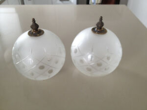 2 Lustres *** Vintage *** Light Shades / Globes