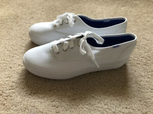 Keds Sneakers Tennis Shoes White BRAND NEW SIZE 8.5 WOMENS