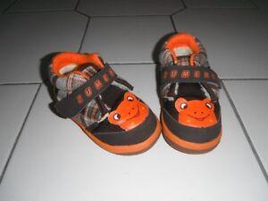 boy toddler winter shoes sz 5