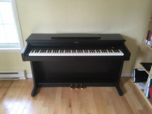 Roland HP 330 E Digital Piano