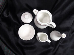England China Tea Pot Etc for a Young Lady Peterborough Peterborough Area image 3
