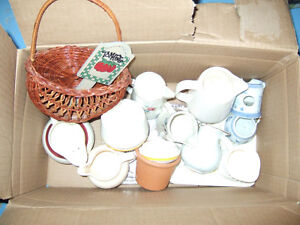 A variety of nik naks/small bowls/basket for sale- only $2.50